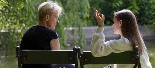 Adultos controlados por sus padres