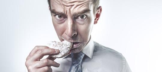 Comer por aburrimiento: cuándo es saludable y cuándo no