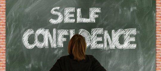 Factores que promueven una baja autoestima
